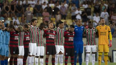 Flamengo pay tribute to fire victims