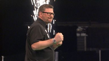 Wade beats RVB with 124 checkout!