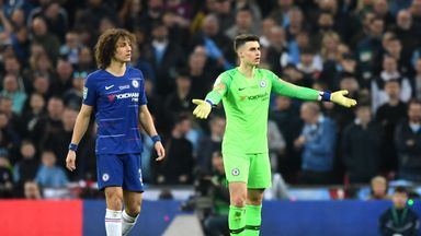 Kepa refuses Sarri's substitution!