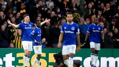 'Everton must decide on their identity'