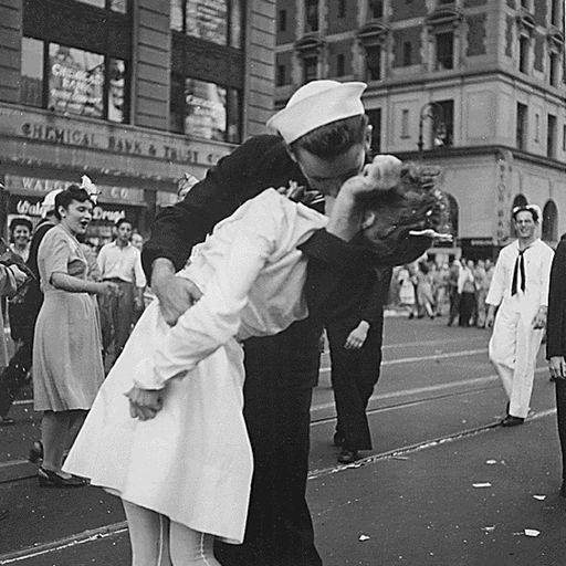 WW2 sailor in iconic Times Square kiss photo dies aged 95