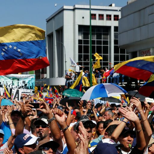 Venezuelan general defects as mass protest against Nicolas Maduro starts