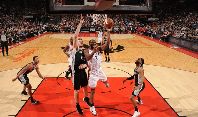 Kawhi Leonard scores 25 points to spoil DeMar DeRozan's return to Toronto as Raptors beat San Antonio Spurs