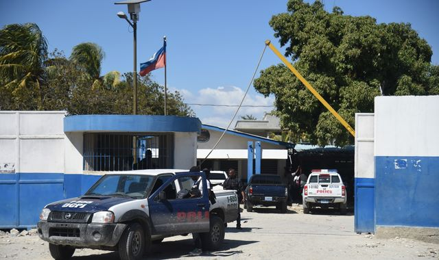 Five Americans, a Russian and a Serb 'held in Haiti with weapons'