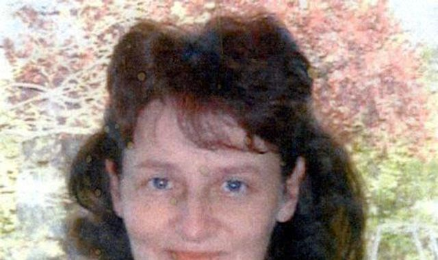 Linda Razzell: Police search field after tip-off in possible link to woman's disappearance in 2002