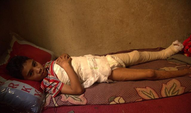 300 babies die every day because of war - Save the Children report
