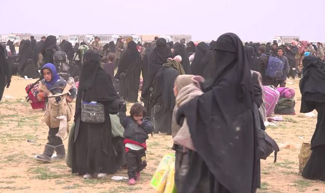 Women and children of IS living on weeds and mouldy bread in Syria