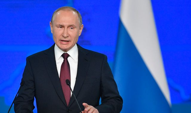 Vladimir Putin warns of Russian retaliation if US places missiles in Europe