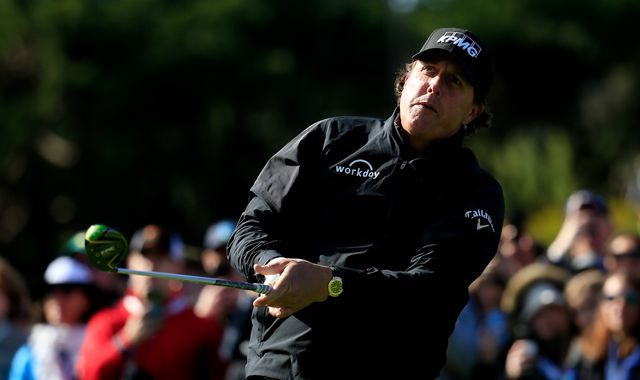 Phil Mickelson finds three bunkers and still makes par at Riviera