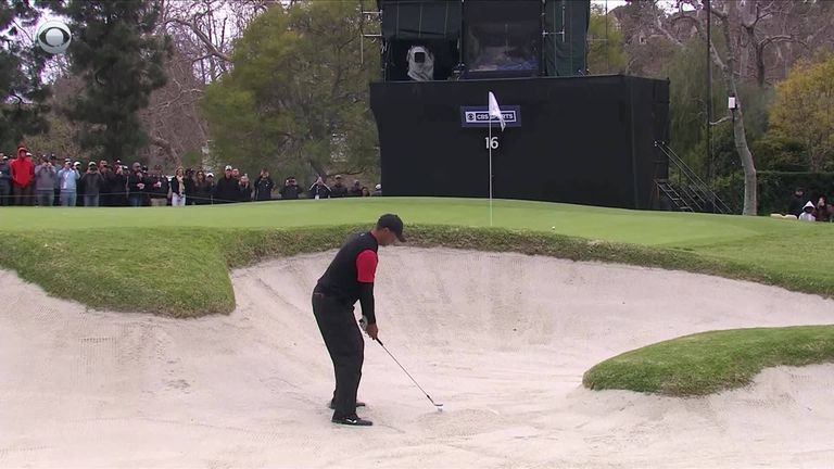 0:28                                            Tiger Woods and Rory Mc Ilroy both holed out from the same bunker at the 16th on the final day of the Genesis Open at Ri