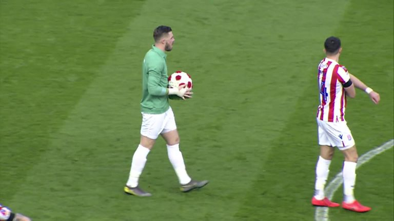 Stoke pay tribute to Gordon Banks with Jack Butland wearing plain green jersey | Football News |