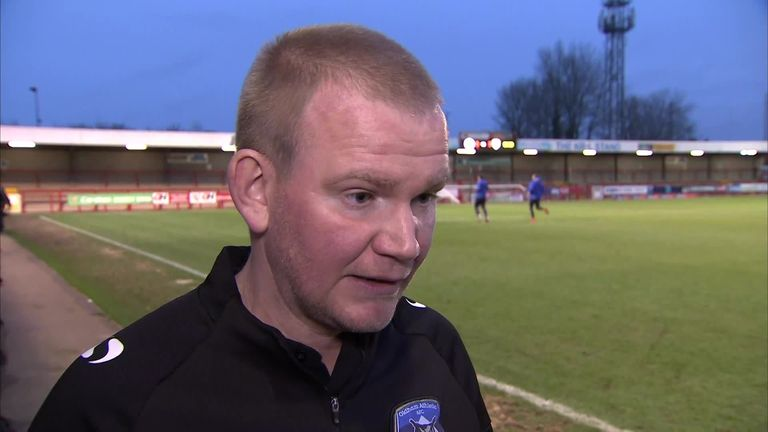Oldham boss Scholes happy to seek help from Manchester United