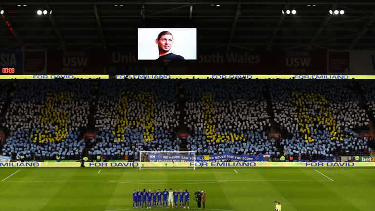 Cardiff players and fans pay tribute to Sala