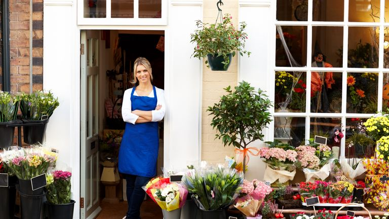 A florist - on as little as £10,800 a year - is as happy as an airline pilot on £86,300