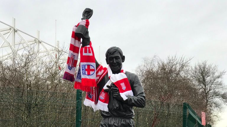 Tributes have been laid at Gordon Banks' statue outside the bet365 stadium