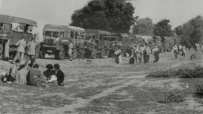 Europeans were evacuated from Kashmir by the British Army after the first post-partition conflict broke out in 1947