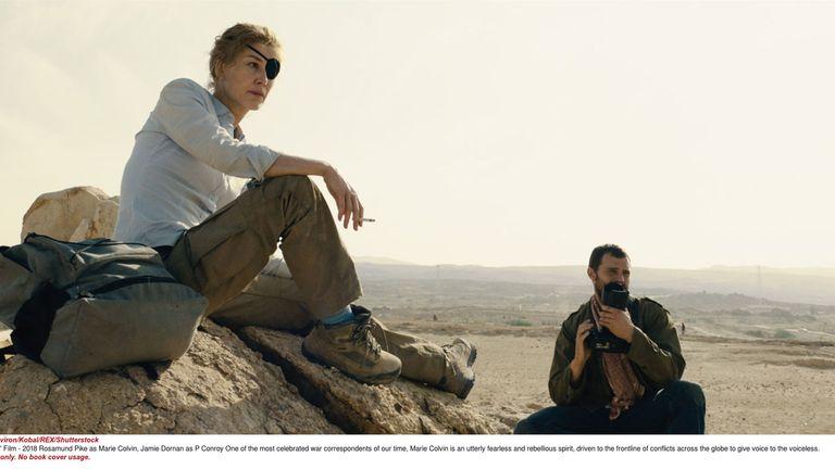 A Private War: Rosamund Pike as Marie Colvin, Jamie Dornan as Paul Conroy