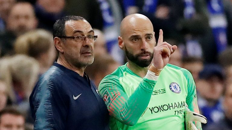 Chelsea manager Maurizio Sarri gives instructions to Willy Caballero