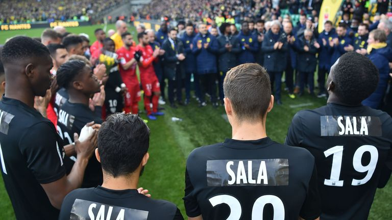Nantes players wear black kit in Sala tribute
