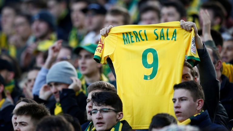 Nantes tribute to Sala