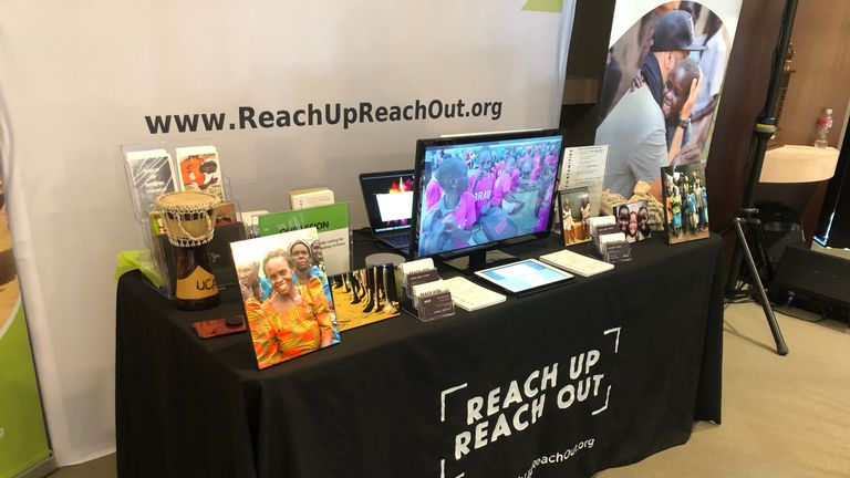 Reach Up and Reach Out gives celebrities at the lounge the opportunity to give back