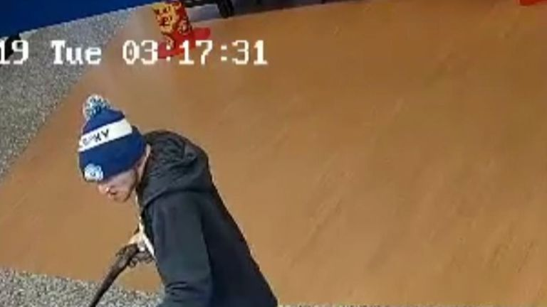 Man pulls sawn-off shotgun on shop employee and demands money and cigarettes