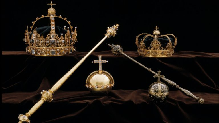 Crown jewels used for the funerals of King Karl IX and Queen Kristina were stolen from Strangnas Cathedral