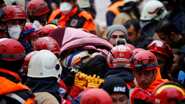 Istanbul Apartment Block Collapse Girl 5 Pulled Alive From Rubble