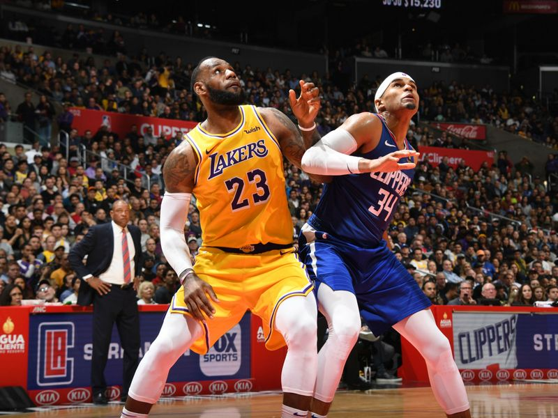 a632f25060e LeBron James returns after 17-game absence to lead Los Angeles Lakers to overtime  win over Los Angeles Clippers