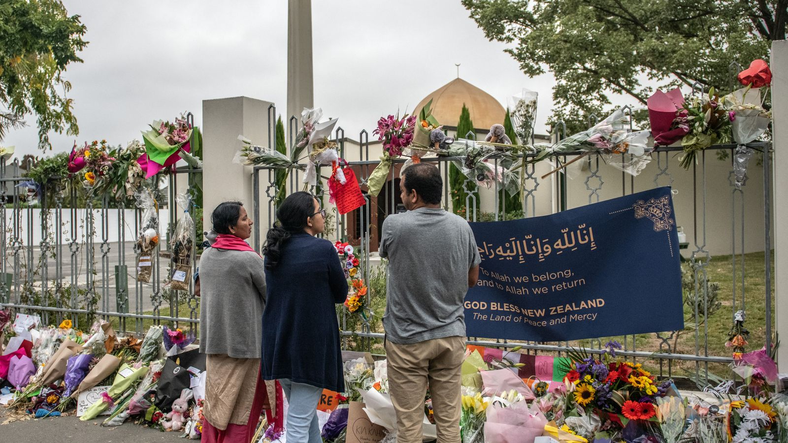 NZ attack mosque reopens early as worshippers gather to pray