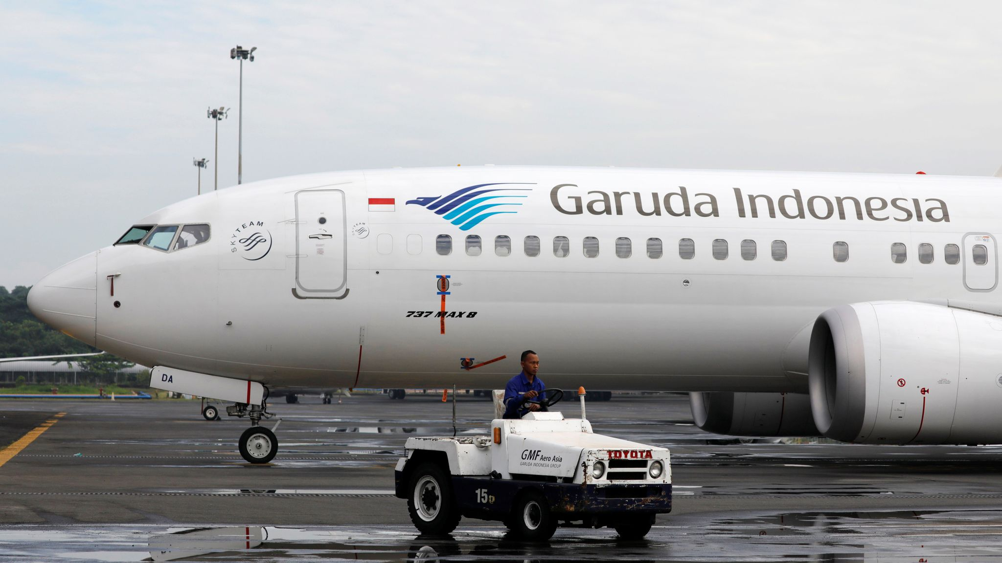 Garuda Indonesia Scraps Order For 49 Boeing 737 Max 8 Jets After Crashes World News Sky News