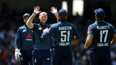 Warne: England hot favourites for WC