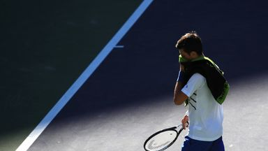 Djokovic breaks racket in defeat