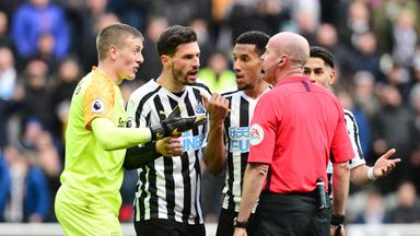 Le Tiss: Did ref forget laws of the game?