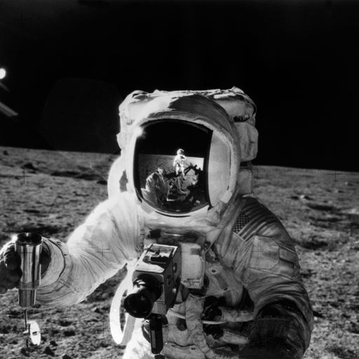 Nasa to send humans to the moon again