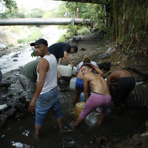 Venezuelans risk illness as they resort to dirty water