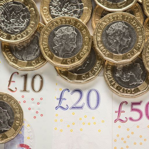 UK's ability to pay by cash 'on the verge of collapse'