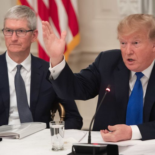 'Tim Apple': Blundering Trump gets name of tech boss Tim Cook wrong