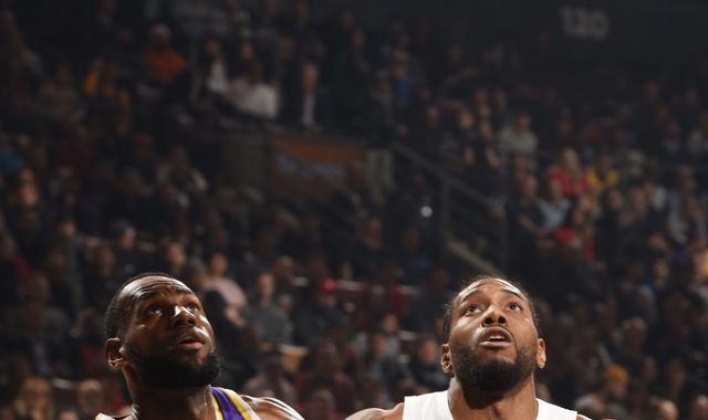Kawhi Leonard scores 25 points to lead Toronto Raptors past LeBron James and the Los Angeles Lakers