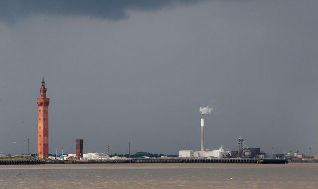 Body recovered from Humber Estuary near Grimsby Docks