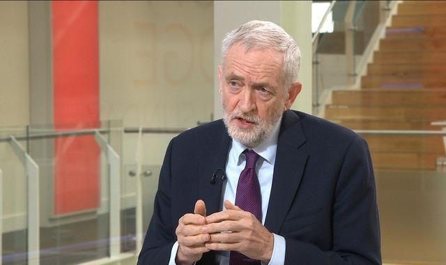 Jeremy Corbyn to hold cross-party talks to break Brexit deadlock