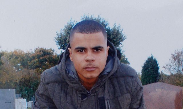 Mark Duggan: Family of man whose death sparked 2011 riots sue Metropolitan Police
