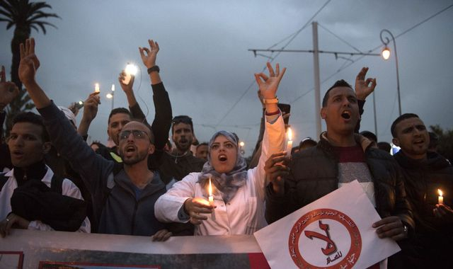 Morocco: Police use water cannon on protesting teachers