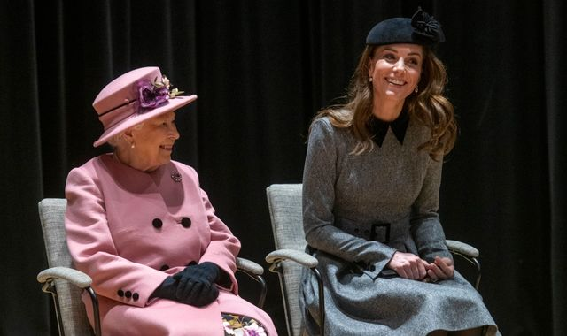 Queen and Duchess of Cambridge meet robots on first joint engagement