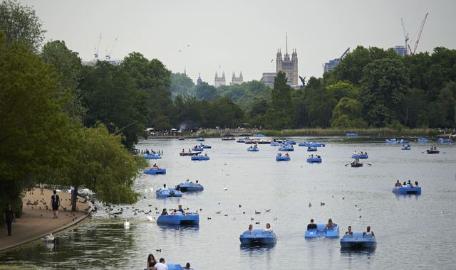 Body recovered from lake in London's Hyde Park