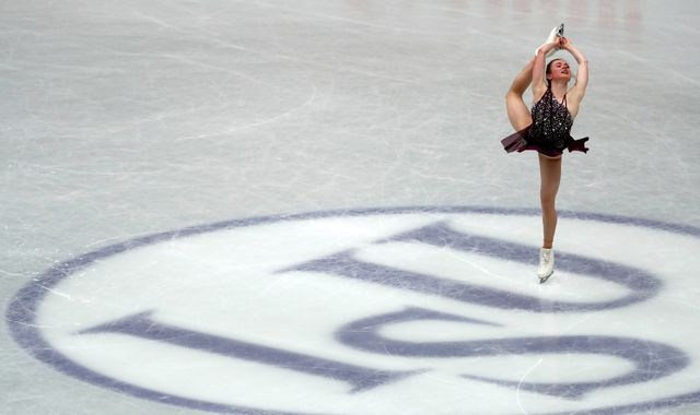 Figure skater cleared after claim she 'stabbed' rival with skate