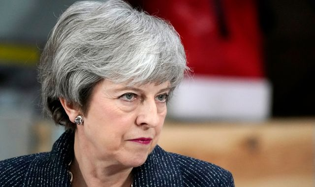 Theresa May to request only 'short delay' to Brexit in letter to EU