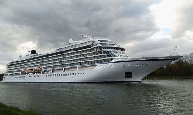 Passengers evacuated as stricken cruise ship drifts towards shore