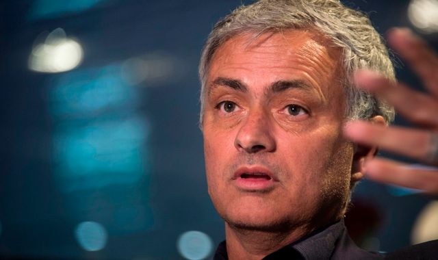 Jose Mourinho critical of Man Utd boss Ole Gunnar Solskjaer's tactics in Barcelona