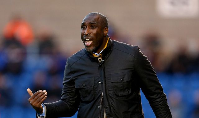 Sol Campbell leaves Macclesfield by mutual consent